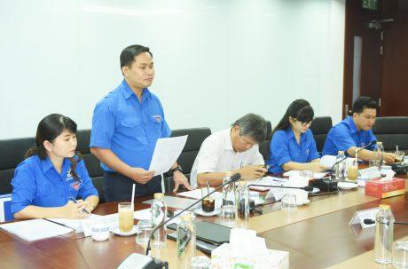 Đồng chí Thái Bảo Tri – Ủy viên BCH Trung ương Đoàn, Ủy viên Đoàn khối DNTW, Bí thư Đoàn Thanh niên VRG báo cáo về công tác đoàn VRG