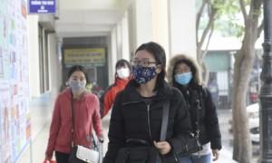 Người dân cần tuân thủ nghiêm túc quy định đeo khẩu trang nơi công cộng nhằm phòng lây nhiễm trong dịch Covid 19. Ảnh Internet