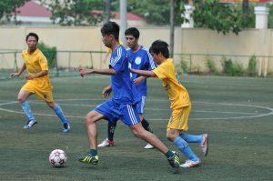 Thi đấu bóng đá mini tại Hội thao năm 2012. Ảnh: Tùng Châu