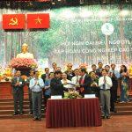 Không ký Thỏa ước lao động, không xét CĐ cơ sở vững mạnh