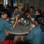 Tổ chức tốt ăn giữa ca trong ngày kỷ niệm 85 năm