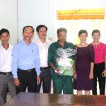 Công đoàn Khối Hành chính sự nghiệp tặng 40 suất quà cho công nhân