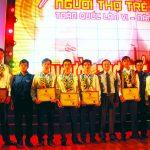6 thanh niên công nhân cao su được tôn vinh