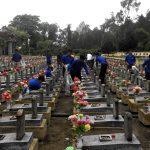 Đoàn TN Cao su Quảng Trị: Thắp nến, dâng hương tại Nghĩa trang Trường Sơn