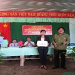Lãnh đạo Công đoàn CSVN thăm, tặng quà động viên công nhân