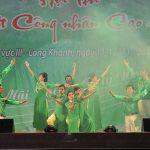 Cất cao tiếng hát người công nhân cao su miền Đông