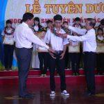 Cao su Phú Riềng khen thưởng 2.170 HSSV năm 2015