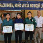 Cao su Tây Ninh: Khen thưởng thêm 6 công nhân về trước kế hoạch
