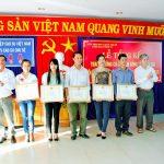 CĐ Cao su Chư Sê trao thưởng cho đội văn nghệ