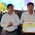 Cao su Bình Long thưởng 100 triệu đồng cho NT Bình Minh về trước kế hoạch