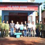 """Cao su Lộc Ninh: Trao 2 nhà """"Mái ấm Công đoàn"""""""