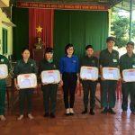 Đoàn Thanh niên Cao su Lộc Ninh khen thưởng hoàn thành sản lượng