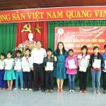Tạp chí Cao su VN trao 55 suất học bổng cho học sinh nghèo Quảng Nam, Quảng Ngãi