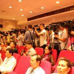 Mạng xã hội thách thức báo chí chính thống