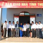 Khối thi đua nông nghiệp Gia Lai tặng nhà cho công nhân Mang Yang