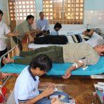 Gần 300 cán bộ công nhân Cao su Bình Long hiến máu nhân đạo