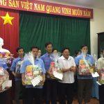 Tặng quà cho 20 công nhân Geru Star