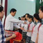 Cao su Bình Long tuyên dương 140 học sinh tiêu biểu