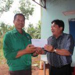 Khen thưởng 2 tổ sản xuất Cao su Bình Long