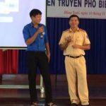 Hơn 400 sinh viên Trường CĐCN Cao su tham gia tuyên truyền pháp luật