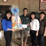 Cao su Đồng Nai thăm và tặng quà gia đình cựu cán bộ Đoàn, ĐVTN khó khăn