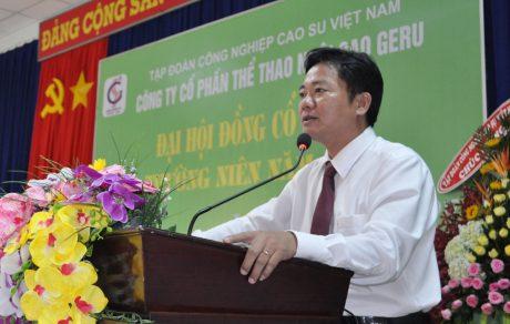 ông Trần Văn Hạnh - Ủy viên HĐQT, Tổng Giám đốc công ty Geru phát biểu tại Đại Hội