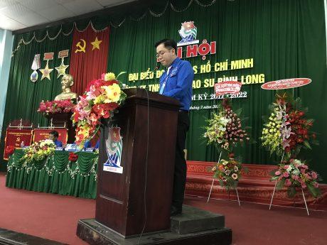 Anh Phan Huy Thành đọc diễn văn bế mạc đại hội.