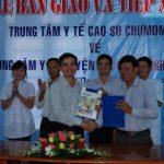 Bàn giao Trung tâm y tế Cao su Chư Mom Ray về địa phương