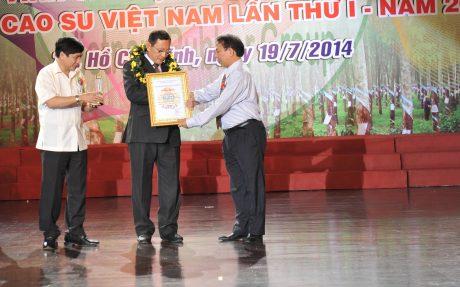 Công đoàn CSVN tuyên dương cán bộ CĐ xuất sắc năm 2014.