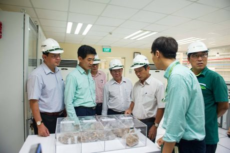 Lãnh đạo VRG thăm Nhà máy MDF 2 của VRG Dongwha