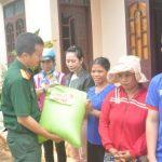 Công ty 75 hỗ trợ 13,5 tấn gạo cho đồng bào dân tộc