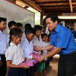 Ấm áp chương trình tình nguyện của Đoàn Thanh niên VRG tại Campuchia