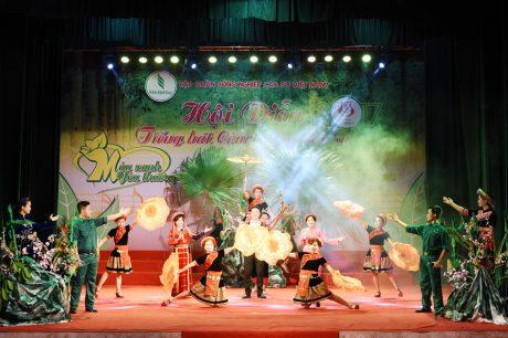 Tiết mục hát múa Hà Giang điểm hẹn đoạt HCV của công ty