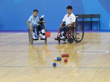 Người khuyết tật chơi bóng Boccia