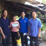 Cao su Sơn La hỗ trợ con em công nhân bị lũ đến trường