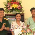 Hội phụ nữ Công ty 74 trao nhà tình thương