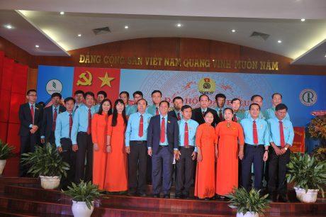 Ban chấp hành công đoàn khóa mới ra mắt đại hội