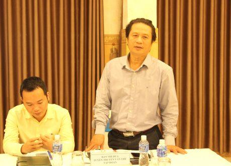Ông Phan Viết Phùng – Trưởng Ban Thi đua Tuyên truyền Văn thể VRG phát biểu tại hội nghị