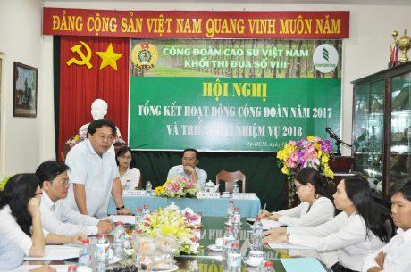 Ông Phan Mạnh Hùng – Chủ tịch CĐCS VN phát biểu tại hội nghị