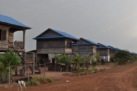 VRG đã xây dựng hơn 2.500 căn nhà cho công nhân tại Lào và Campuchia. Ảnh: P.L