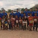 Đoàn Thanh niên Cao su Bà Rịa tặng quà cho con em công nhân Campuchia