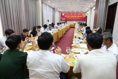 Tại buổi gặp mặt, TGĐ VRG Trần Ngọc Thuận cũng cung cấp những đầu mối trực tiếp để cung cấp thông tin của VRG cho báo chí