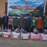 Đoàn Thanh niên Cao su Lai Châu II trao chăn ấm cho đoàn viên