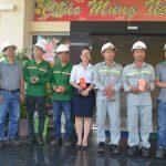 Tặng 10 phần quà cho công nhân MDF VRG Kiên Giang