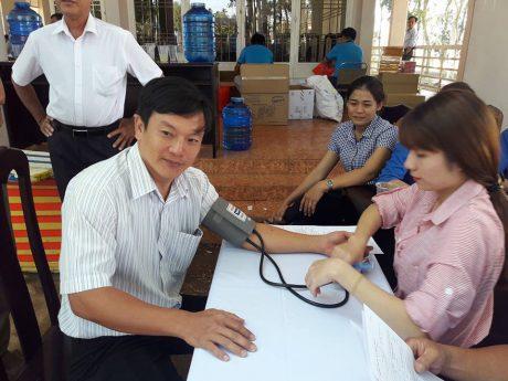 Hiến máu nhân đạo là nghĩa cử cao đẹp là hoạt động thường niên do ĐTN và hội CTĐ công ty tổ chức