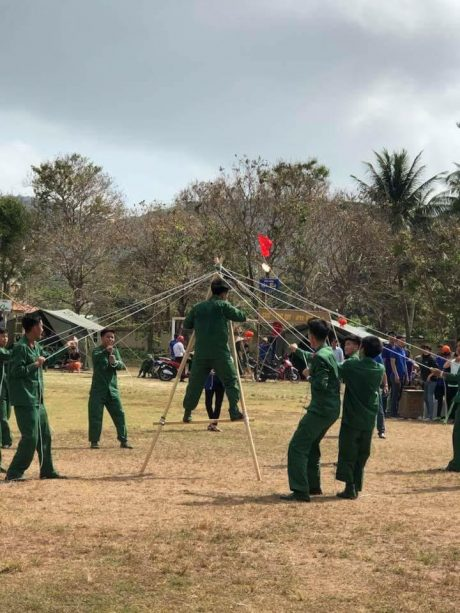 Hội trại của Công ty CPCS Tây Ninh trong chuyến tham quan học tập tại Côn Đảo. Ảnh: Bích Lợi.