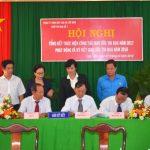 VRG tặng cờ thi đua cho 3 tập thể Cao su Lộc Ninh