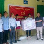 Trao 20 suất quà cho công nhân Cao su Điện Biên