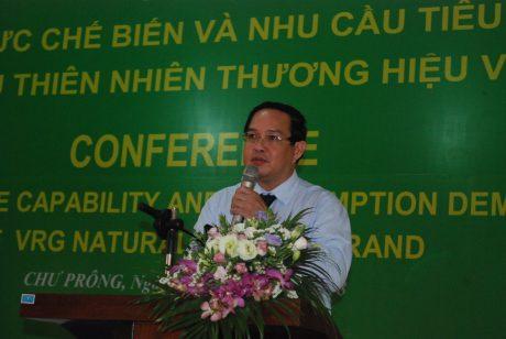 Ông Trương Minh Trung phát biểu tại Hội nghị Năng lực chế biến và nhu cầu tiêu thụ sản phẩm cao su thiên nhiên thương hiệu VRG. Ảnh: Văn Vĩnh