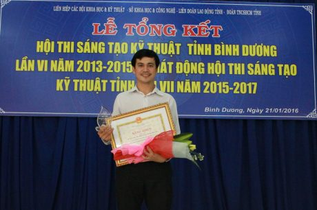 10 năm công tác, Lê Quốc Duy có 10 sáng kiến, sáng tạo được công nhận.